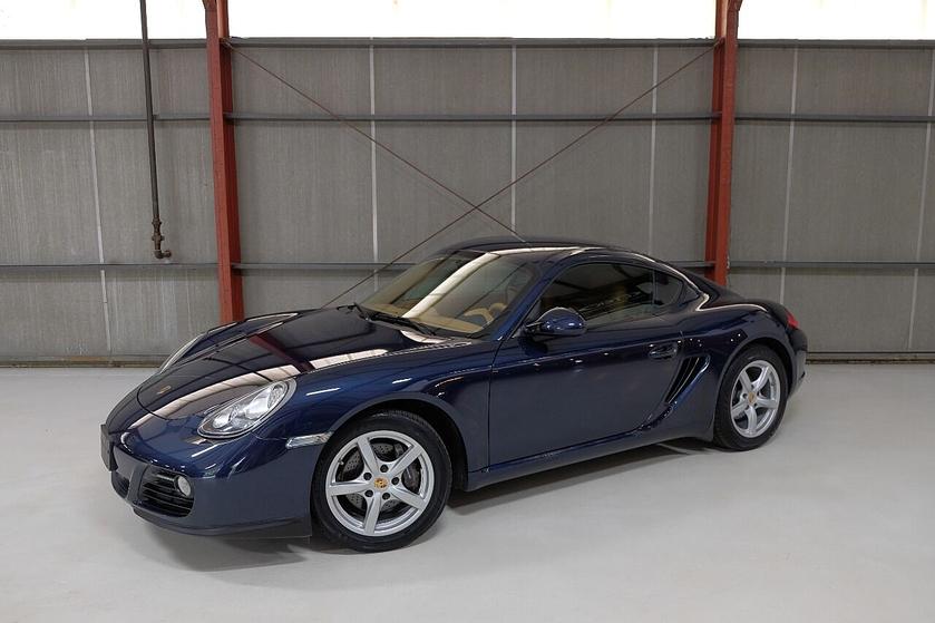 2011 Porsche Cayman :24 car images available