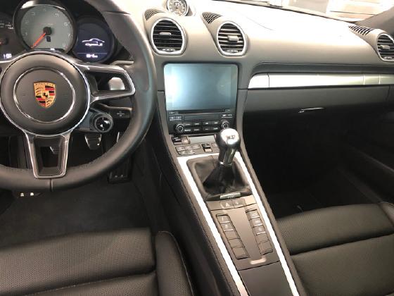 2017 Porsche Cayman 718 S