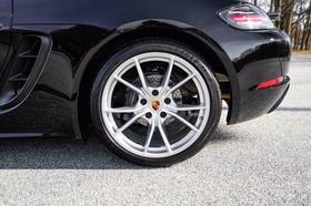 2018 Porsche Cayman Coupe