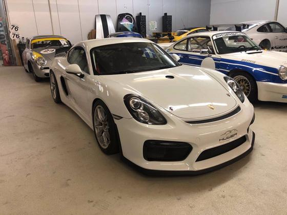 2016 Porsche Cayman GT4 Clubsport:24 car images available