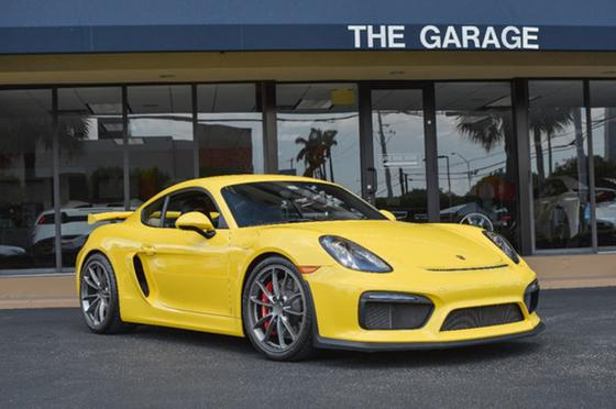 2016 Porsche Cayman GT4:24 car images available