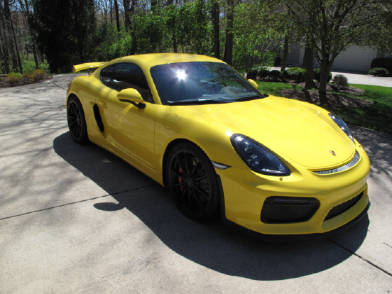 2016 Porsche Cayman GT4:8 car images available