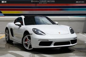 2017 Porsche Cayman S:24 car images available
