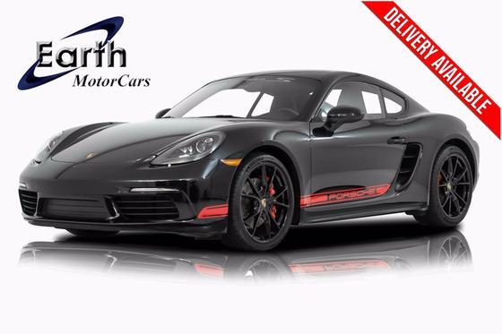 2017 Porsche Cayman S:24 car images available
