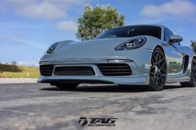 2017 Porsche Cayman V6:20 car images available