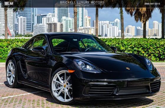 2018 Porsche Cayman V6:24 car images available