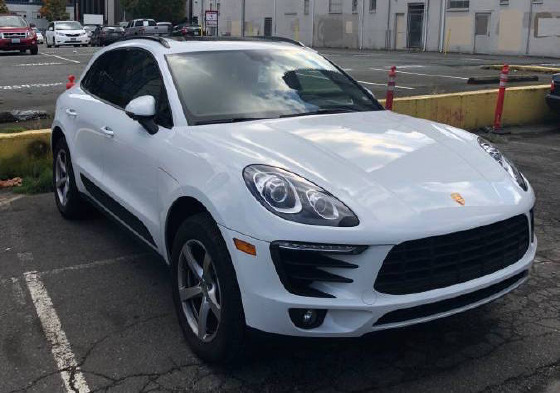 2017 Porsche Macan :6 car images available