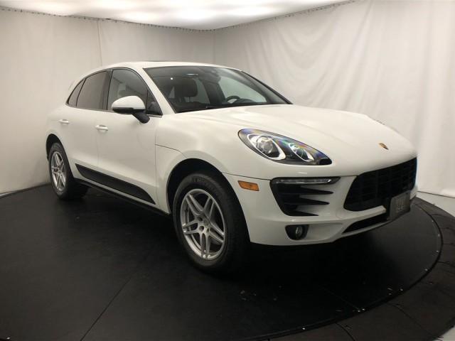 2018 Porsche Macan :20 car images available