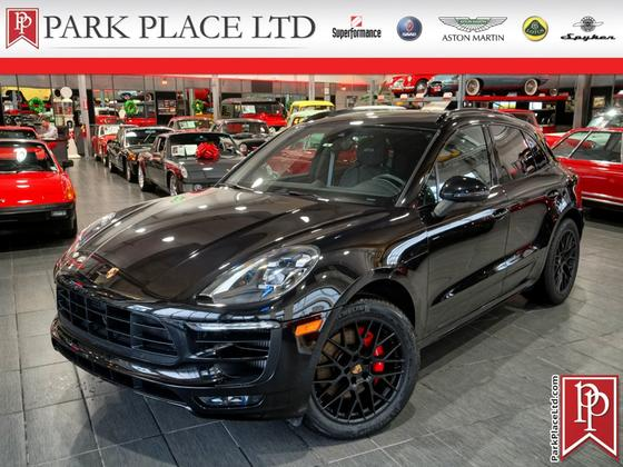 2017 Porsche Macan GTS:10 car images available