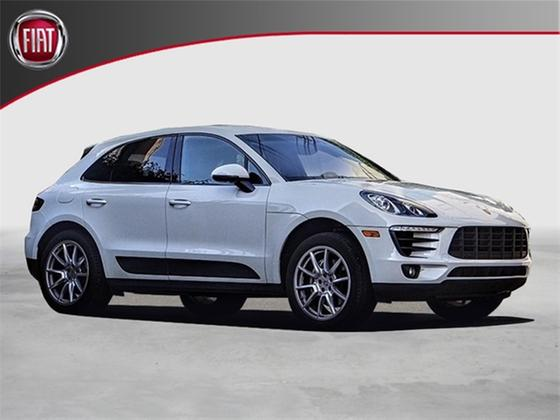 2016 Porsche Macan S:18 car images available
