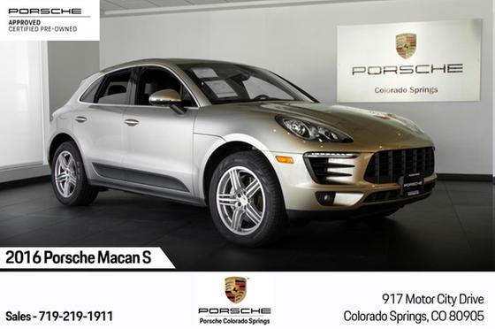 2016 Porsche Macan S:23 car images available