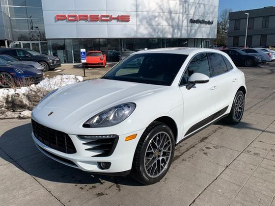 2015 Porsche Macan S:16 car images available