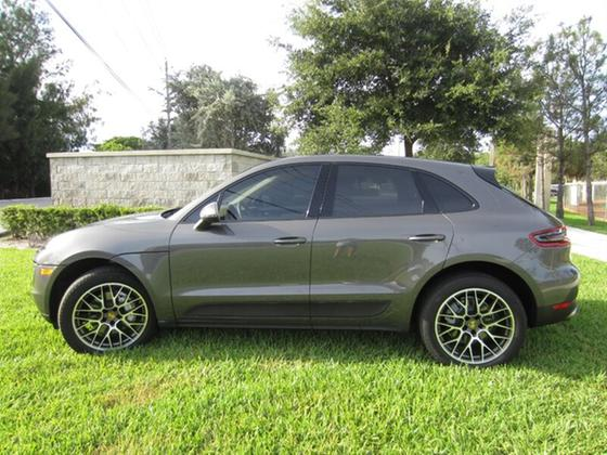 2016 Porsche Macan S:19 car images available