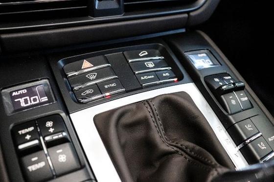 2021 Porsche Macan Turbo