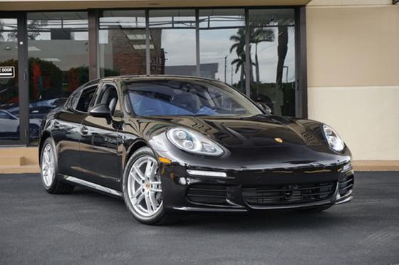 2016 Porsche Panamera :24 car images available