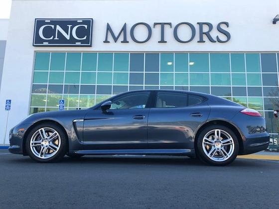 2012 Porsche Panamera :24 car images available