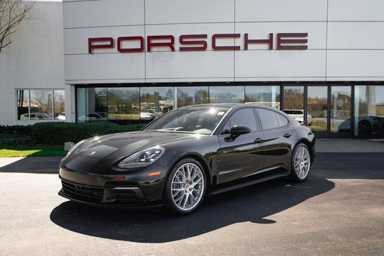 2017 Porsche Panamera :24 car images available