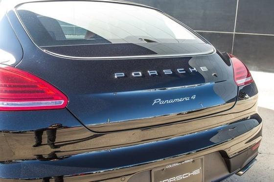 2016 Porsche Panamera 4 Edition:19 car images available