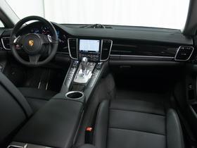 2016 Porsche Panamera 4 Edition