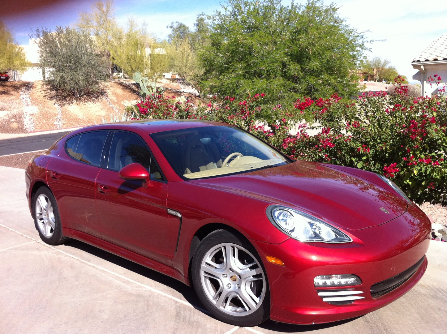 2011 Porsche Panamera 4:6 car images available
