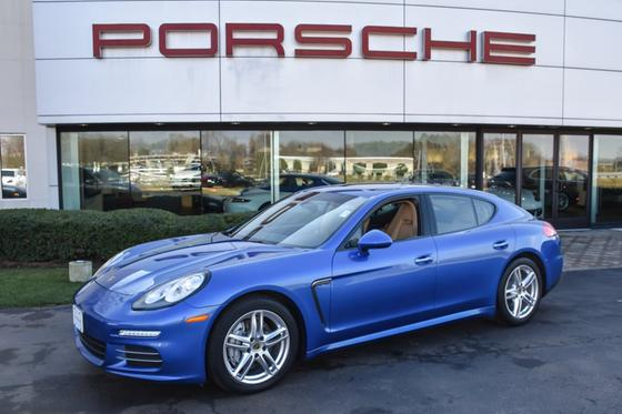 2015 Porsche Panamera 4:24 car images available
