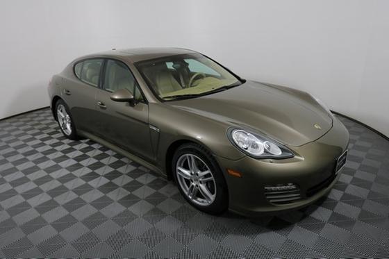 2012 Porsche Panamera 4:24 car images available