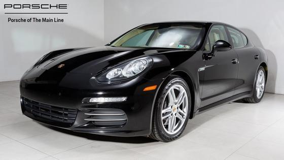 2014 Porsche Panamera 4:22 car images available