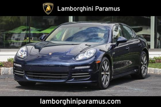 2016 Porsche Panamera 4:24 car images available