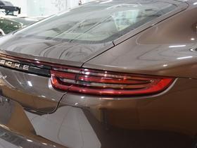2018 Porsche Panamera 4