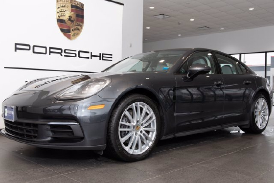 2017 Porsche Panamera 4:3 car images available