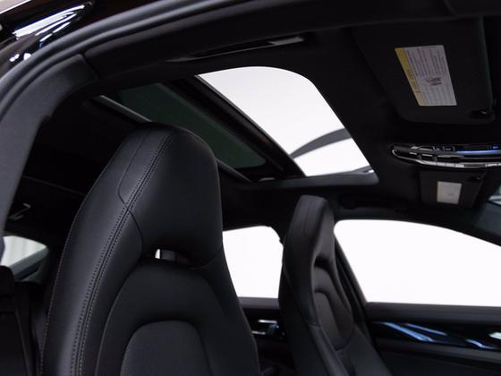 2021 Porsche Panamera 4