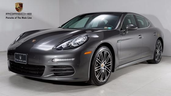 2016 Porsche Panamera 4S:23 car images available