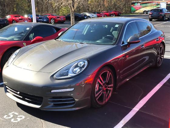 2014 Porsche Panamera 4S:3 car images available