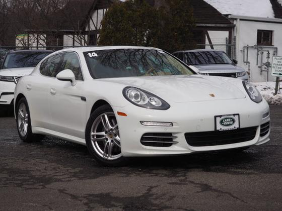 2014 Porsche Panamera 4S:22 car images available