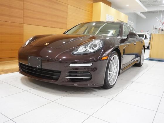 2014 Porsche Panamera 4S:24 car images available