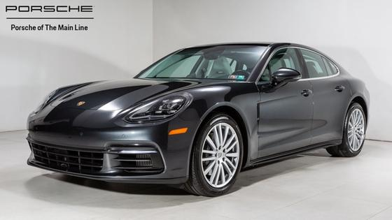 2017 Porsche Panamera 4S:22 car images available
