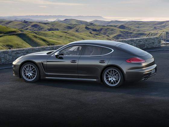 2016 Porsche Panamera 4S : Car has generic photo