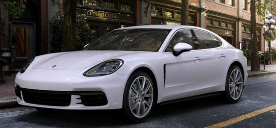 2020 Porsche Panamera 4S:3 car images available