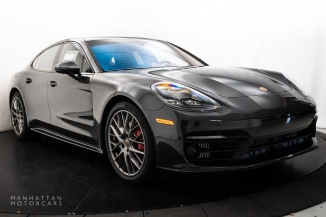 2022 Porsche Panamera 4S:18 car images available