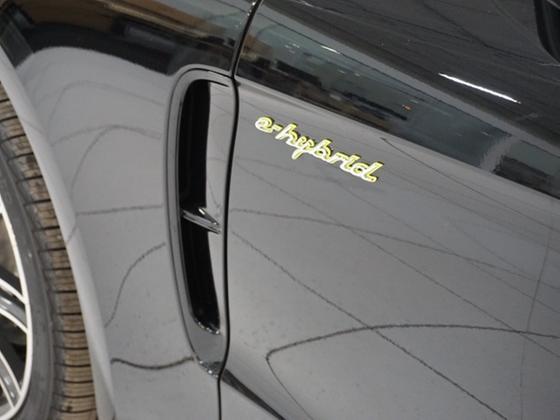 2018 Porsche Panamera S Hybrid
