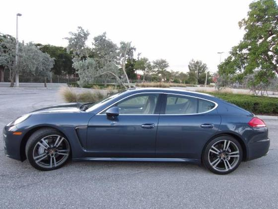 2014 Porsche Panamera S:19 car images available