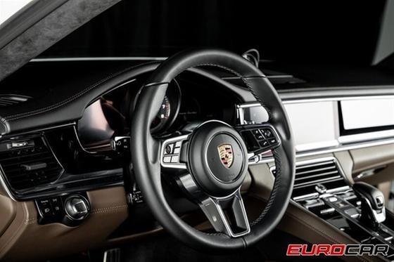 2017 Porsche Panamera Turbo