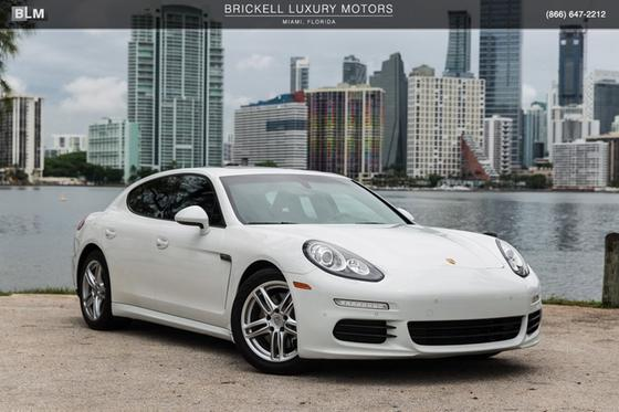 2014 Porsche Panamera V6:24 car images available