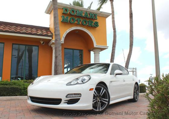 2012 Porsche Panamera V6:24 car images available