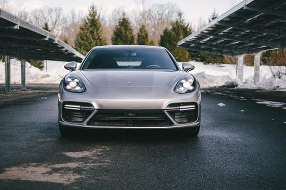2018 Porsche Panamera e-Hybrid:24 car images available