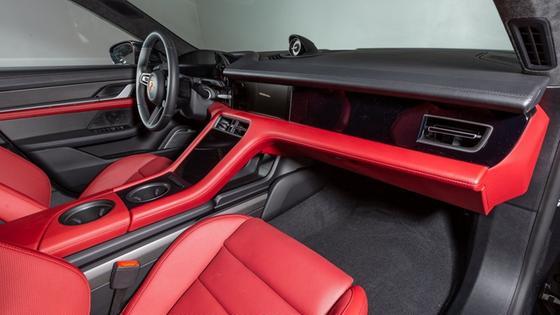 2020 Porsche Taycan Turbo S