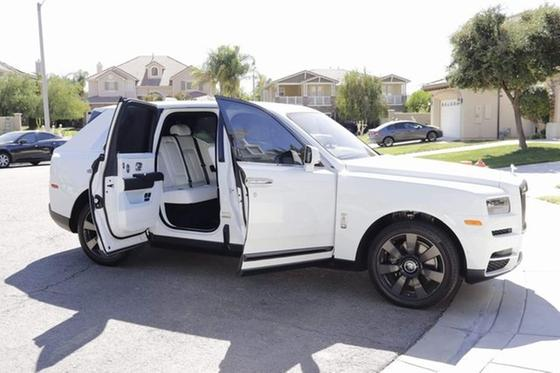 2019 Rolls Royce Cullinan :17 car images available