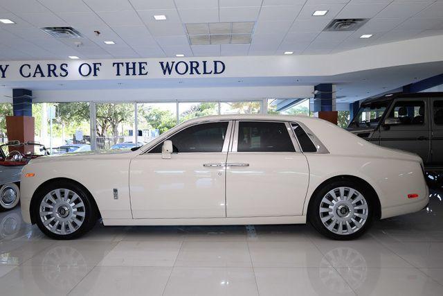 2018 Rolls-Royce Phantom :24 car images available