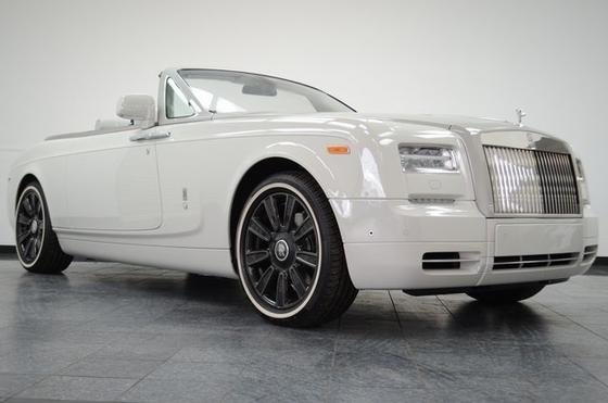 2017 Rolls Royce Phantom Drophead:24 car images available