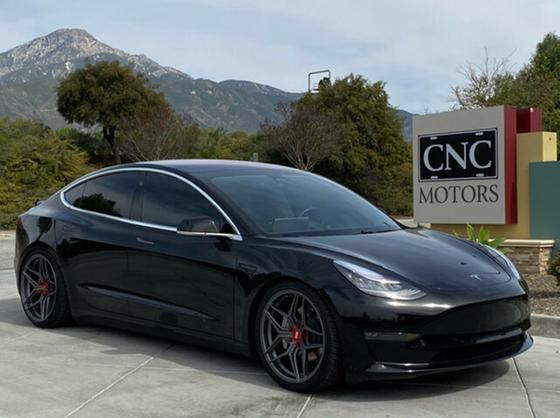 2018 Tesla Model 3 :11 car images available